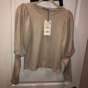 NWT Zara small puff sleeve sweater 2019
